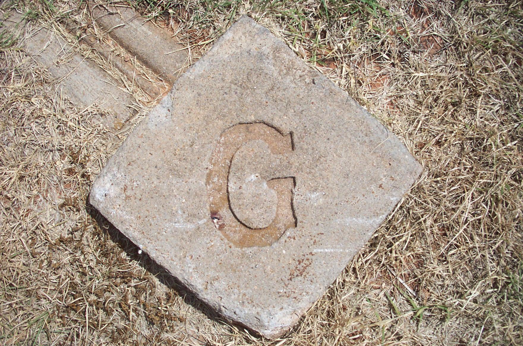 G-bod je centrem kosočtverce