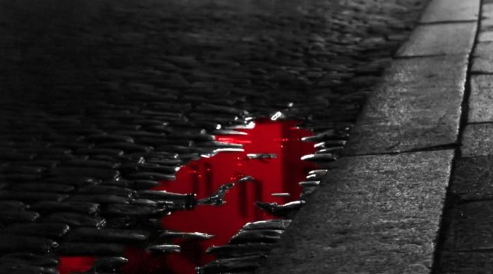 Krev na chodníku